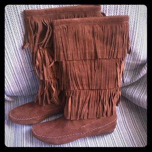 NWOT Lauren Conrad mid-calf fringe boot size 8 med